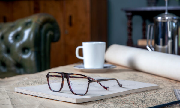 THE AW20 OPTICAL RANGE: PERFECTLY SUITED TO THE HACKETT MAN