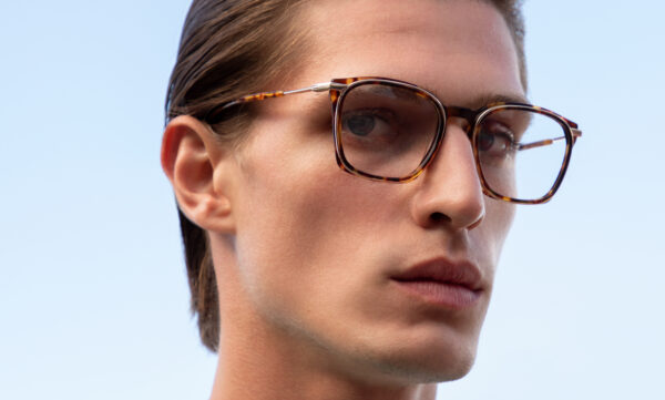 EFFORTLESSLY CONNECTING THE UNEXPECTED: SCOTCH & SODA'S MENS OPTICAL COLLECTION